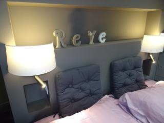 Cozy 1 bedroom Chartres Condo with Internet Access - Chartres vacation rentals