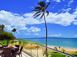 BEACHFRONT LUXURY ALOHA VILLA #1, CHILDREN WELCOME - Kihei vacation rentals