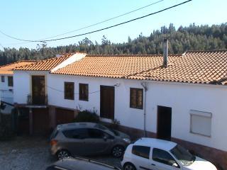 Casa Eira do Povo - Miranda do Corvo vacation rentals
