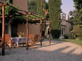 Ancient farmhouse in Maremma - La Pergola - Marsiliana vacation rentals
