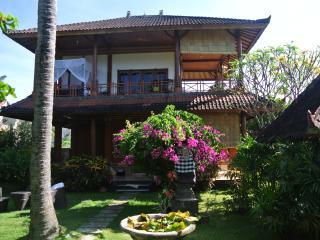 4 bedroom Seaside Villa Sinar Cinta Amed Bali - Amed vacation rentals