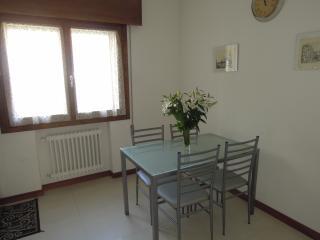 Cozy 2 bedroom Condo in Mestre with Internet Access - Mestre vacation rentals