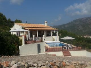 Holiday villa with swimming pool in Jalon Valley - Benigembla vacation rentals