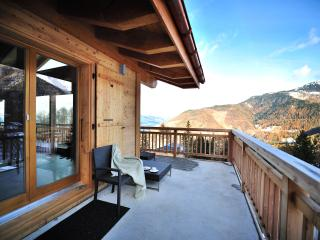 Perfect Chalet with Internet Access and Satellite Or Cable TV - La Tzoumaz vacation rentals