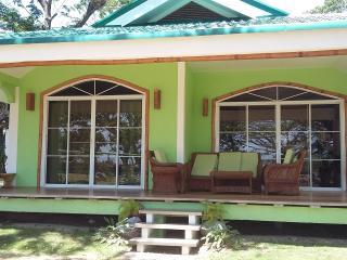 Cozy 2 bedroom Zamboanguita House with Grill - Zamboanguita vacation rentals