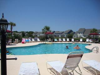 Gorgeous House with Internet Access and A/C - North Myrtle Beach vacation rentals