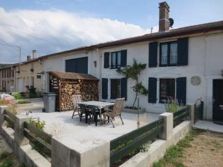 Cozy 2 bedroom Vacation Rental in Dun-sur-Meuse - Dun-sur-Meuse vacation rentals