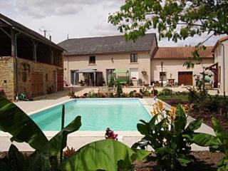 Lovely House with Deck and Internet Access - Saint-Jouin-de-Marnes vacation rentals
