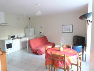 Cozy 2 bedroom Plelan-le-Petit Apartment with Internet Access - Plelan-le-Petit vacation rentals