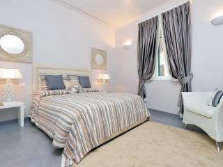 Residenza Romana Zucchelli - Suite Aurora - Rome vacation rentals