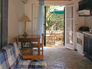 Holiday Cottage with a pool in Kalami Corfu - Kalami vacation rentals