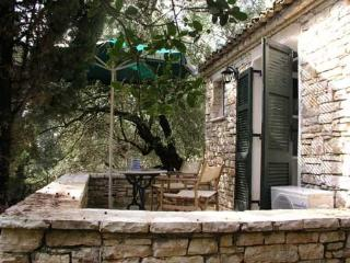 Holiday Cottage with a pool in Kalami Corfu - Kalami vacation rentals