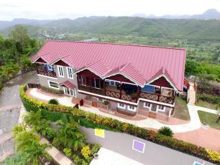 Marigot Grande with panoramic view ! - Marigot Bay vacation rentals
