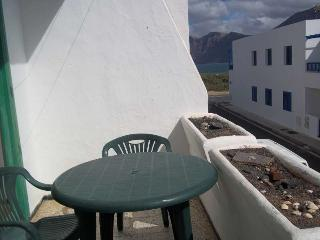 2 bedroom Apartment with Internet Access in Famara - Famara vacation rentals