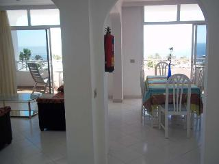 Beautiful 2 bedroom Vacation Rental in Puerto Del Carmen - Puerto Del Carmen vacation rentals
