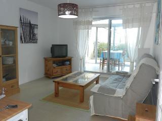 Appartement T2 vue mer avec terrasse et véranda - Saint-Quay-Portrieux vacation rentals