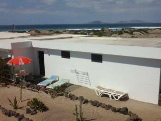 Nice 2 bedroom Vacation Rental in Famara - Famara vacation rentals