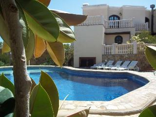VILLA ALIXI IN COSTA TEGUISE FOR 8P - Costa Teguise vacation rentals