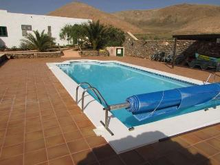 VILLA GAIALL IN FEMES FOR 12P - Femes vacation rentals