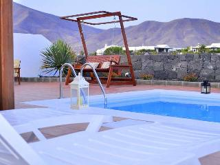 Perfect 3 bedroom Villa in Playa Blanca with Internet Access - Playa Blanca vacation rentals