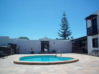Perfect Villa with Internet Access and Television - El Islote vacation rentals