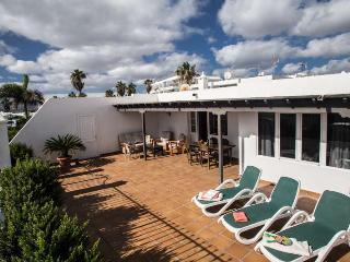 VILLA KAZAXIKA IN PUERTO DEL CARMEN FOR 6P - Puerto Del Carmen vacation rentals