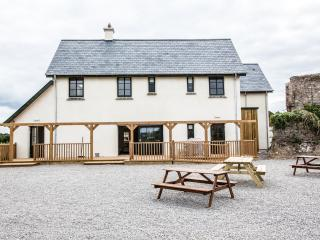 Beautiful 6 bedroom Farmhouse Barn in Slane - Slane vacation rentals