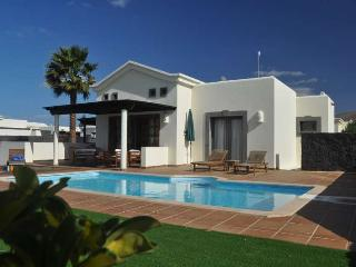 Perfect 2 bedroom Villa in Playa Blanca - Playa Blanca vacation rentals
