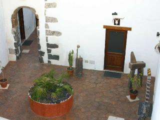 4 bedroom Villa with Internet Access in Tinajo - Tinajo vacation rentals