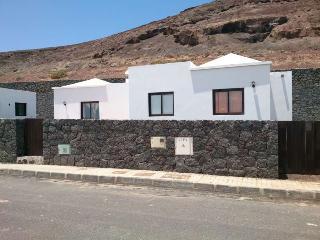 Perfect 2 bedroom Villa in Soo with Internet Access - Soo vacation rentals