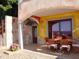 2 bedroom Apartment with Deck in Lu Bagnu - Lu Bagnu vacation rentals