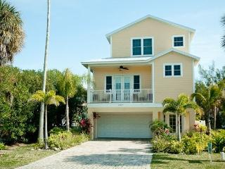 Northshore5 Bedroom+Den Luxury Villa Heated Pool - Anna Maria vacation rentals
