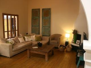 Beautiful 2 Bedroom House in Antigua Guatemala in safe, quiet central area - Antigua Guatemala vacation rentals