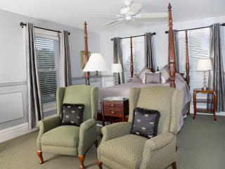 Glynn House Inn: Coolidge Deluxe Bedroom - New Hampton vacation rentals