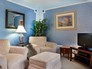 Glynn House Inn: Eisenhower Deluxe Suite - New Hampton vacation rentals