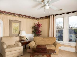Glynn House Inn: Jefferson Deluxe Suite - New Hampton vacation rentals