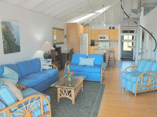 MaiTai  Ke Nani Kai  Remodelled top floor Nr Beach - Maunaloa vacation rentals