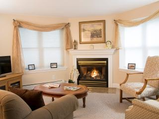 Glynn House Inn: Lincoln Garden Apartment - Ashland vacation rentals