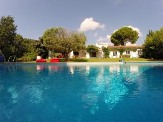 6 bedroom Villa with Internet Access in Roquebrune-sur-Argens - Roquebrune-sur-Argens vacation rentals