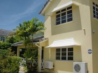 Cozy 3 Bedroom Townhouse - Enterprise vacation rentals