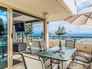 Cottesloe Beach House Stays - Ocean 116 Luxury Apt - Cottesloe vacation rentals