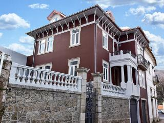 Comfortable Bed and Breakfast in Covilha with Internet Access, sleeps 14 - Covilha vacation rentals