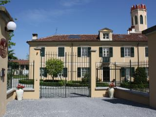 Romantic 1 bedroom Savigliano Bed and Breakfast with Internet Access - Savigliano vacation rentals