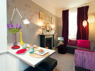Chelsea Italian Designer Home with Terrace - London vacation rentals