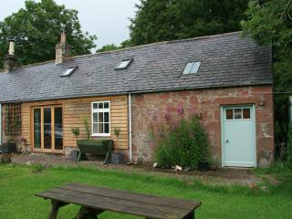 Miller's Cottage at the foot of the Angus Glens - Brechin vacation rentals