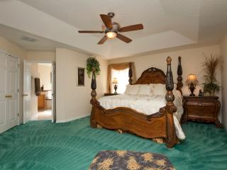 The Emerald Dream Palace, Luxurious Retreat with S - Kissimmee vacation rentals