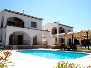 Argaka - 2 Bedroom Villa - Sleeps 6 - Private Pool - Argaka vacation rentals