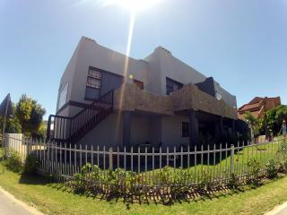 Perfect 10 bedroom Mossel Bay Guest house with A/C - Mossel Bay vacation rentals