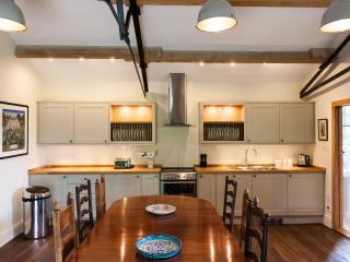 Wonderful Condo with Dishwasher and Kettle - Marlborough vacation rentals