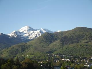 Bright 2 bedroom House in Bagneres-de-Bigorre - Bagneres-de-Bigorre vacation rentals